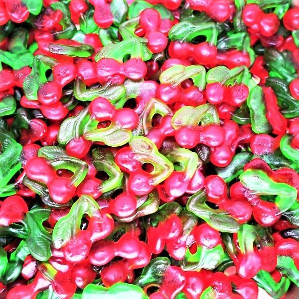 Der Fruchtgummi in Kirschen-Optik mit Kirsch-Geschmack zum ganjährlich genießen von Drop Shop Schwandtner