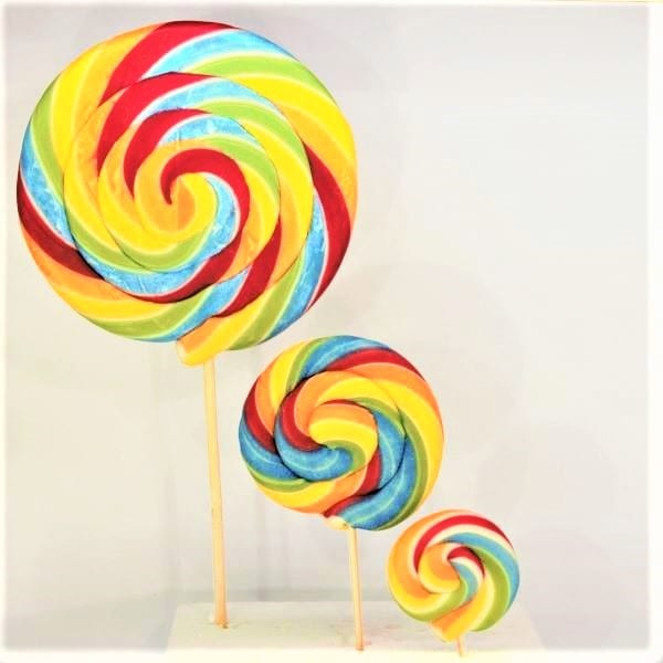 3 Lollis in Regenbogenfarben mit Himbeergeschmach in Regenbogenform von Drop Shop Schwandtner